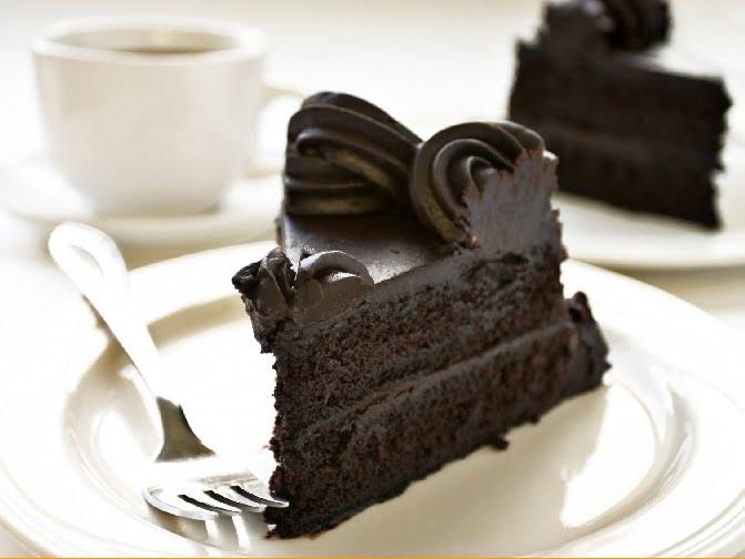 Chocolate-Cake-with-Coffee